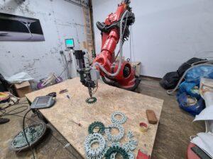 Ovogodišnji trofej za SDG nagradu od reciklirane plastike 3D printa jedinstvena robotska ruka Logo